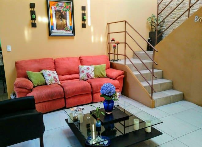 Lugar acogedor y privado - San Roque - Casa