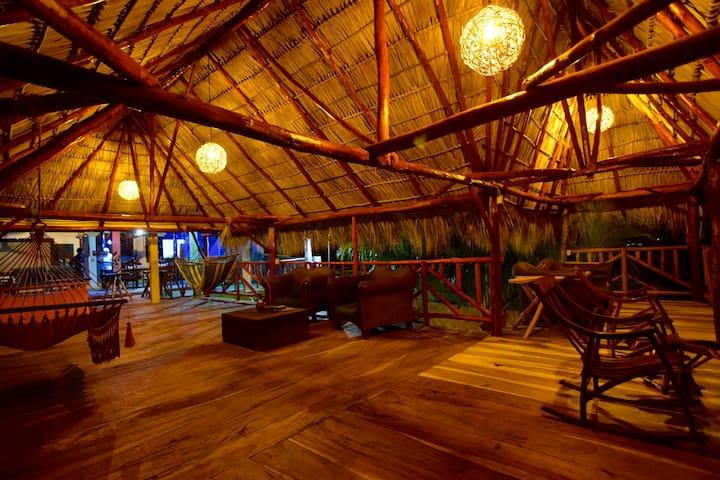 Puerto Sandino Surf Resort in Miramar, Nicaragua - Miramar - Bed & Breakfast