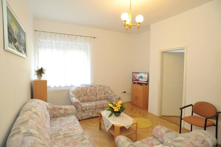 Városközponti, földszinti 2-4 fős  apartman