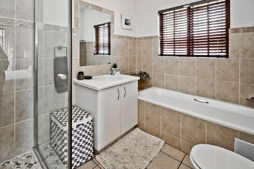 Bathroom (incl shower & bath)