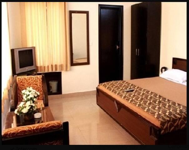 Hotel Utsav(Deluxe Room)