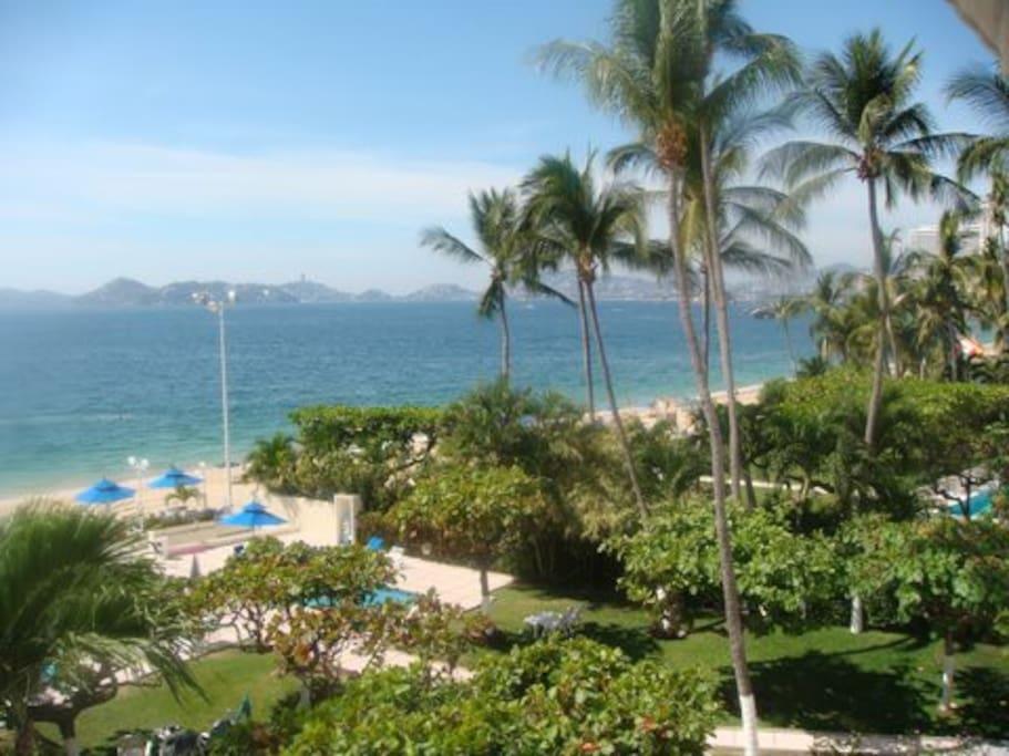 Vista:  Acapulco Bay,  pool, gardens
