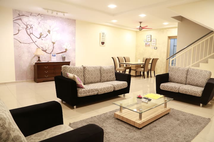 Storey3 @ Malacca for 20 pax - Malacca - House