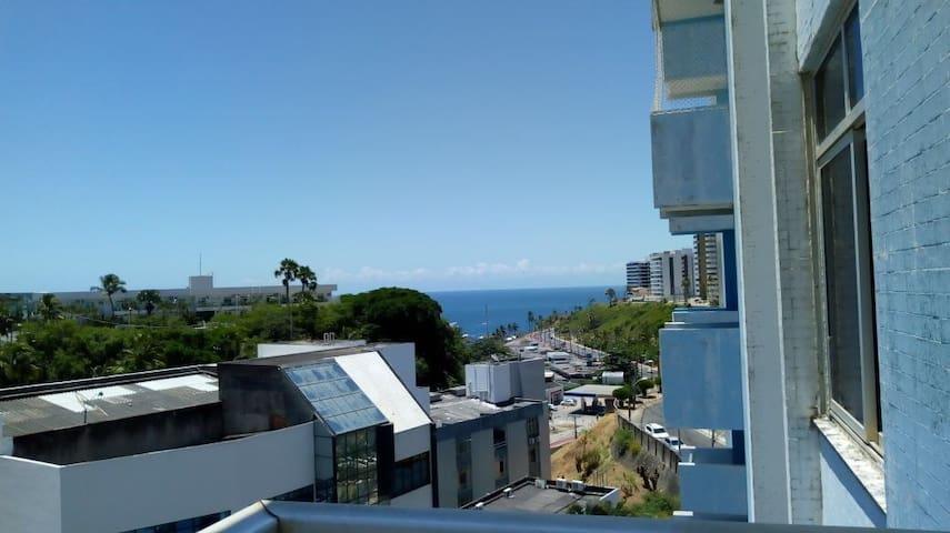 Apartamento,  excelente localização vista p/ mar.