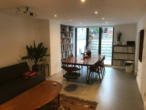 Fantastic open-plan self-contained flat with patio