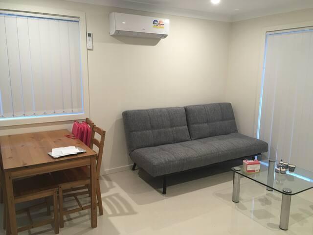 Crisp clean spacious single room - Lidcombe - Hus