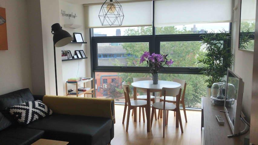 Sunny Central 3 beds, 2 bathroom & weekend parking