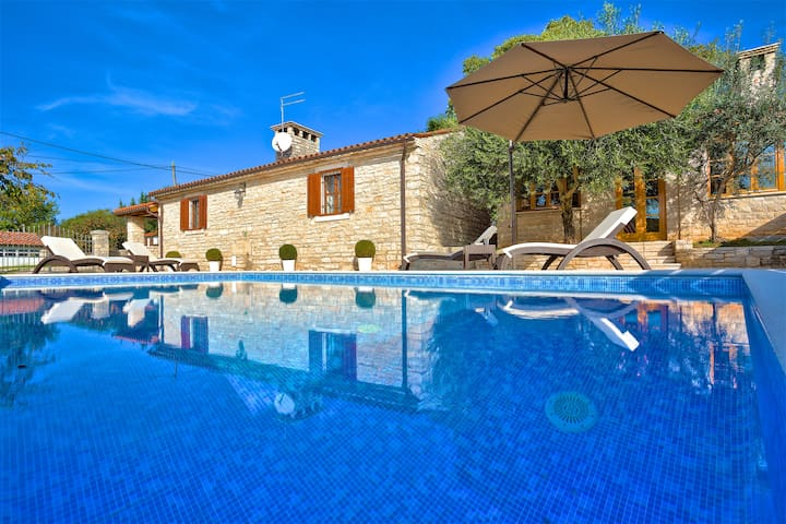 Casa Maria - fully renovated stone house with pool