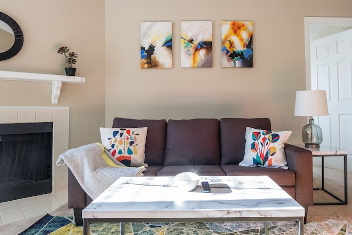 Colorful + Spacious 2BR | Near Spectrum + Stadium