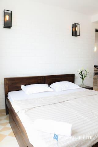 Bedroom 2 - Queen size bed