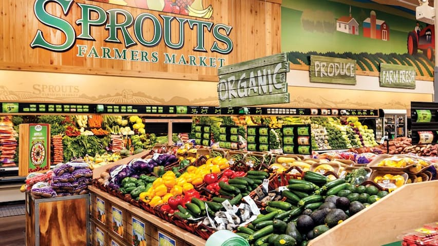 Sprouts Farmer's Market, 7 minutes away