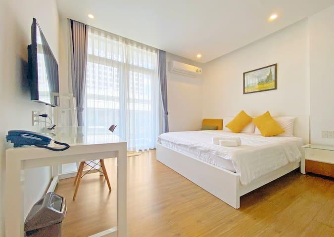⚜️ThreeOaks3⚜️Modern Balcony Apartment in Center D4