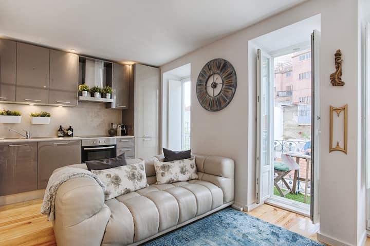 28 Tram Central Apartment (C40)