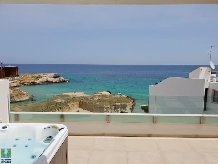 Luxury Anna's Apartment - in front of the sea, 55 Appartamento