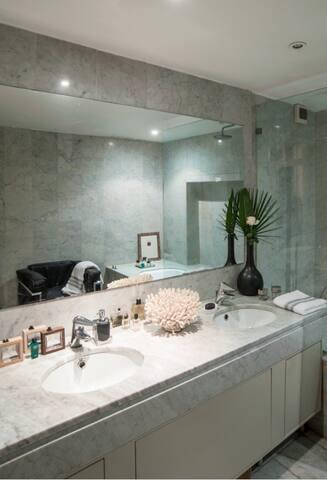 Chiado Charming Suite