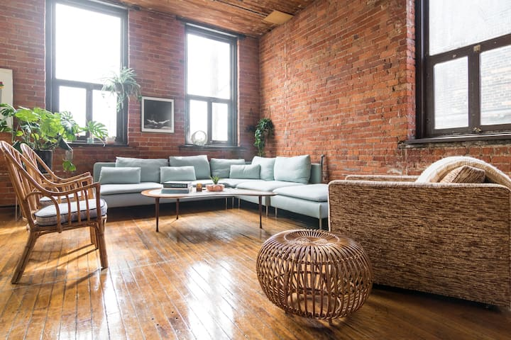 Living room seating area with the world's most comfy vintage cube chair (made in Detroit back in the day!)
