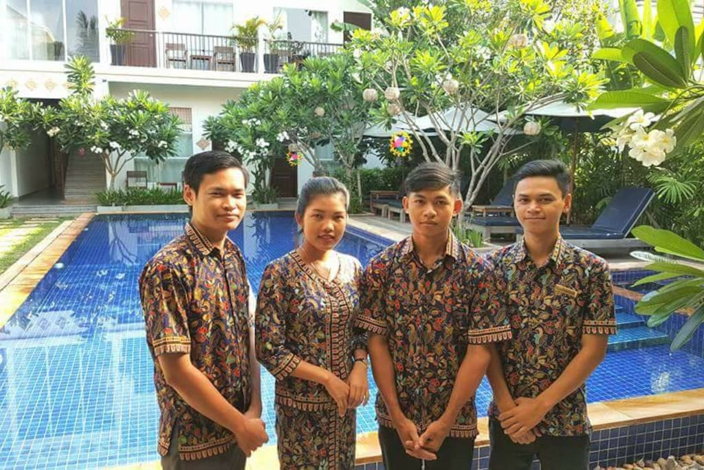 Highly Trained Staffs by Singapore Management