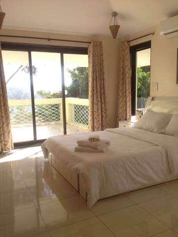 1 Room balcony with hill view - Panchgani - Kastély