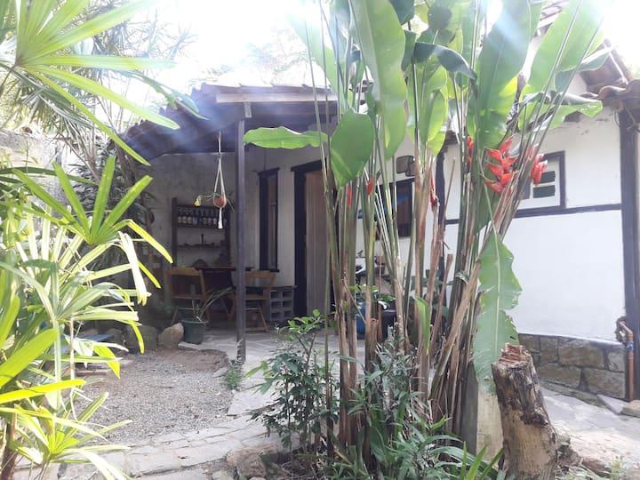 Quarto em casinha na Floresta (AntiFacista)