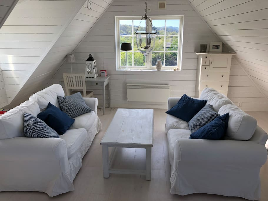 Lounge upstairs with view