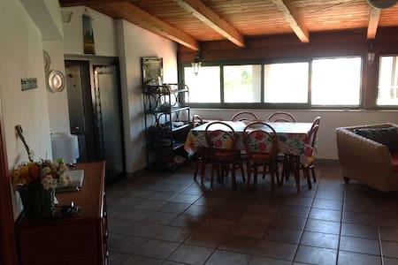 Splendida mansarda con vista mare - Montauro - Wohnung