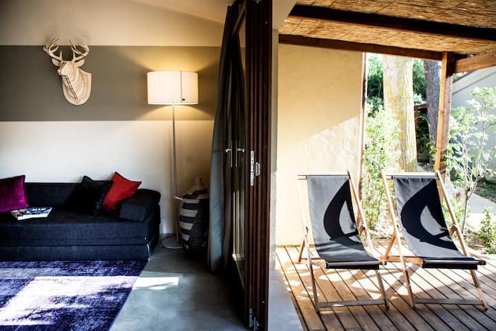 Bungalow Deluxe: comfort e stile all'aria aperta