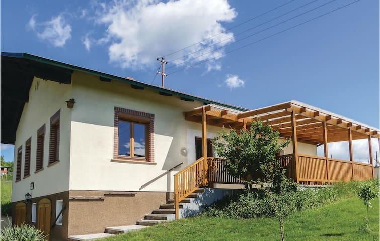 Holiday cottage with 1 bedroom on 96m² in Deutsch Schützen