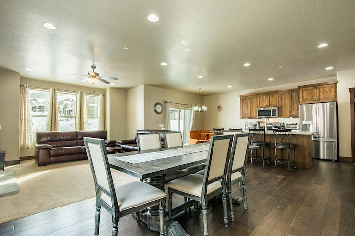 Brand New 5BR 10 mins to Park City - low clean fee - Heber City - Casa