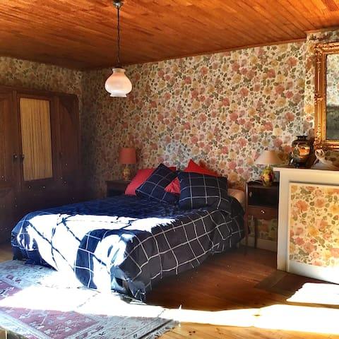 chambre 1 avec salle de bains