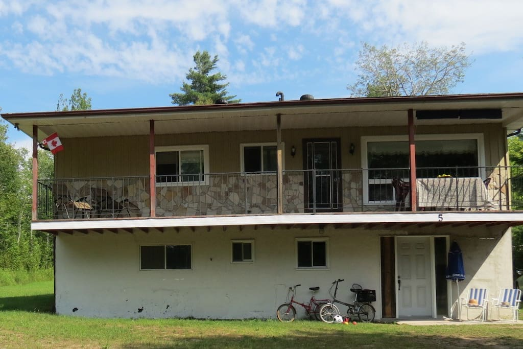Rustic multi family wasaga cottage cottages for rent in for Multi family beach house rentals