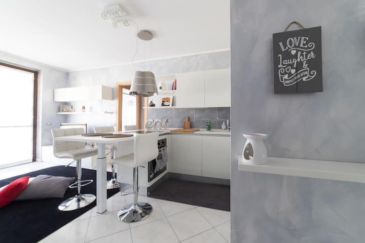 Elegante e raffinato appartamento adiacenze Milano