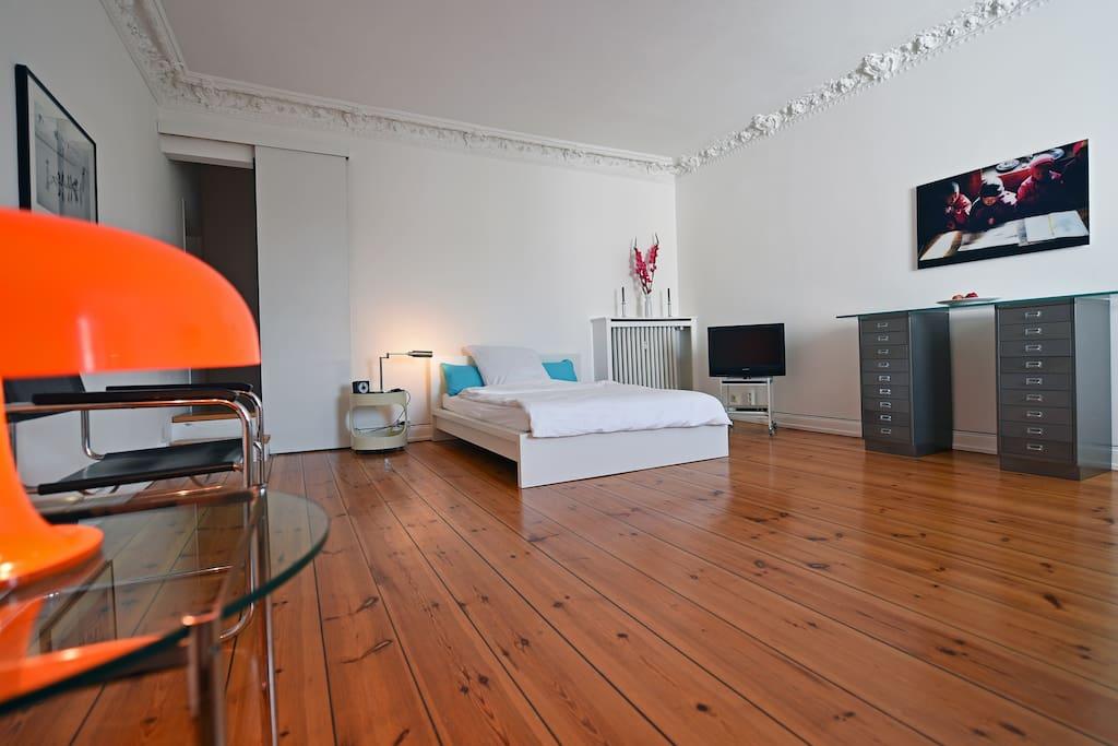 grosses helles ruhiges zimmer wohnungen zur miete in hamburg hamburg deutschland. Black Bedroom Furniture Sets. Home Design Ideas