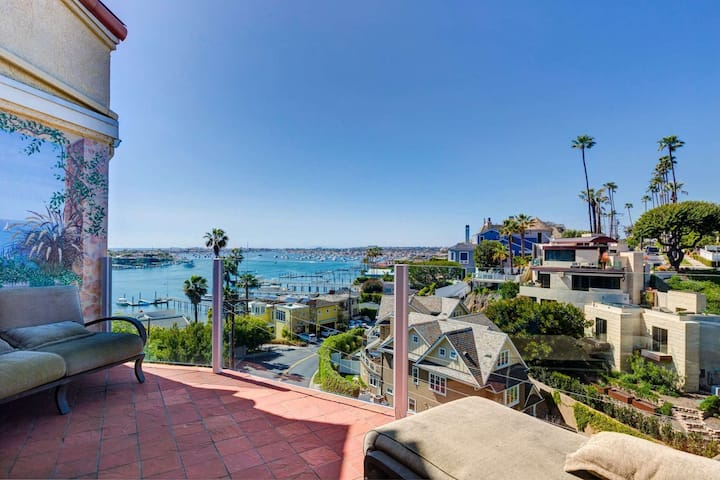 Mediterranean Escape! Great for Families, Panoramic Views from Balconies, Walk to the Beach