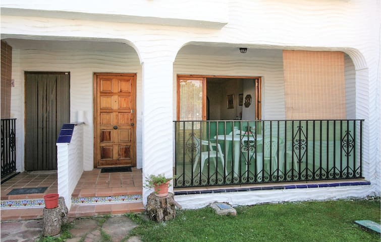 Terraced house with 3 bedrooms on 60 m² EBL063
