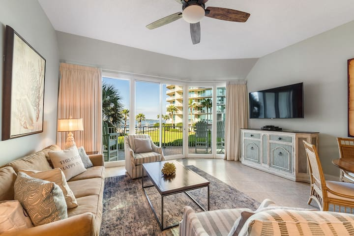 Charming Waterfront Condo w/ Bay and Gulf Views