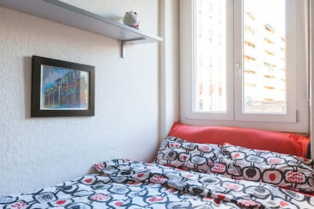 Cozy room close to metro station - Milan