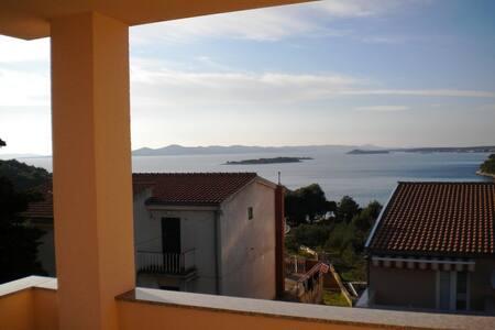 One bedroom Apt 2+2 - Sea view - Zadar, Drage