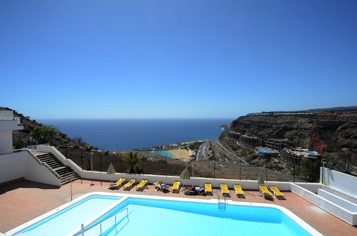 Family apartment perfect for pool&ocean holiday