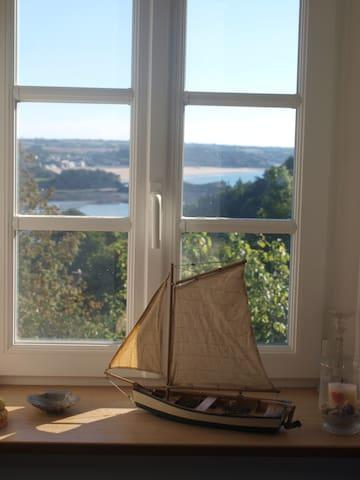 La mer vue de la chambre