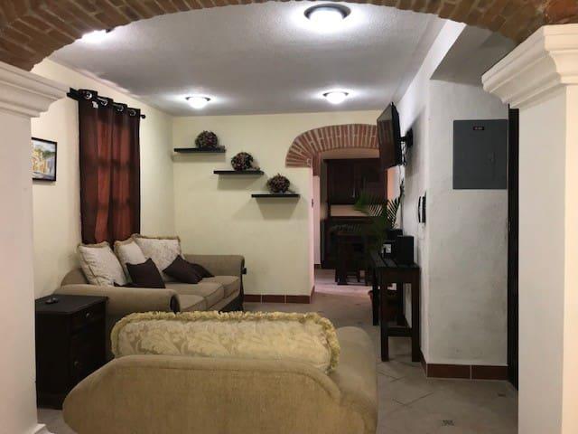 El apartamento de Gustavo.
