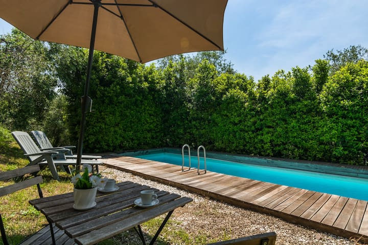 Holiday home with private swimming pool and beautiful rural view