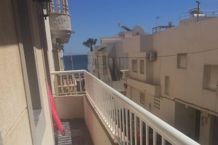 Apartamento segunda linea de playa calle Corbeta