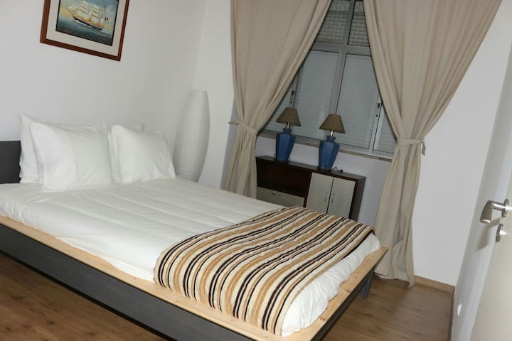 belo ambiente familiar acolhedor - Odivelas - Apartment