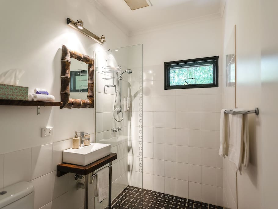 Large, light and spacious bathroom