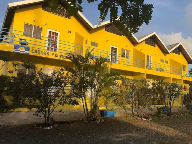 Crooks Apartments #2 Pool & Close to beach