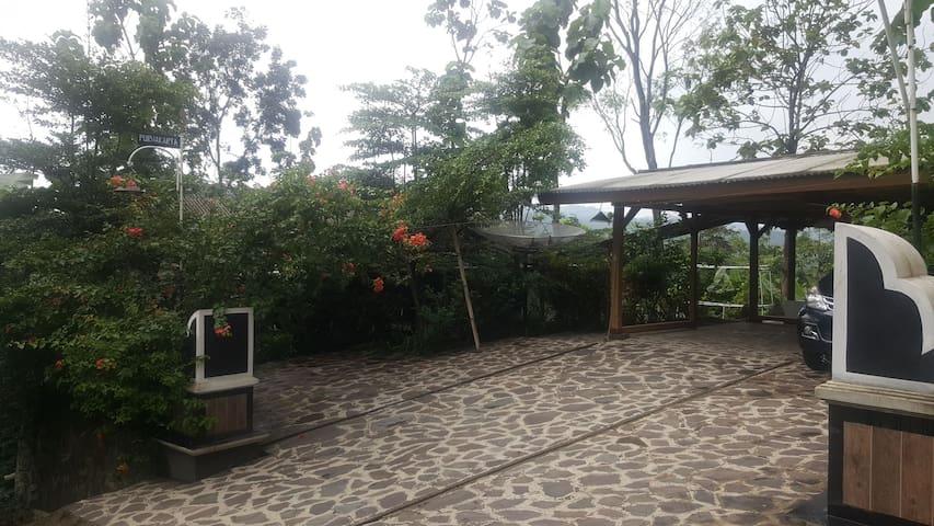 Little Ubud Purwakarta