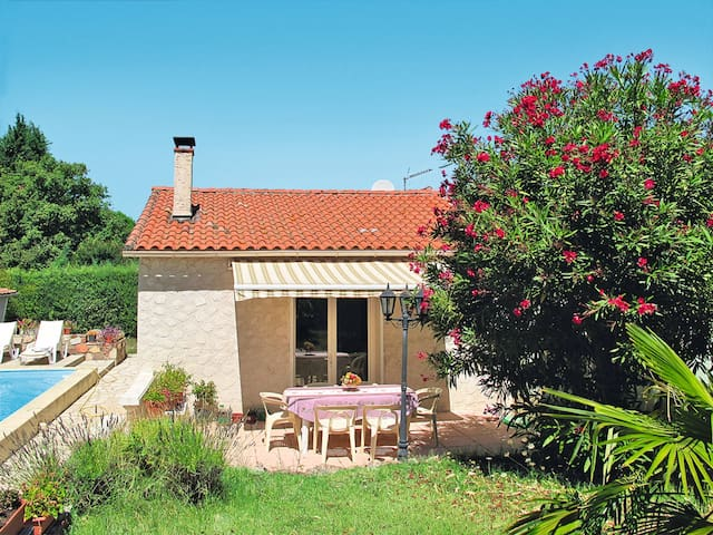 Holiday home in St. Paul-en-Foret for 6 persons