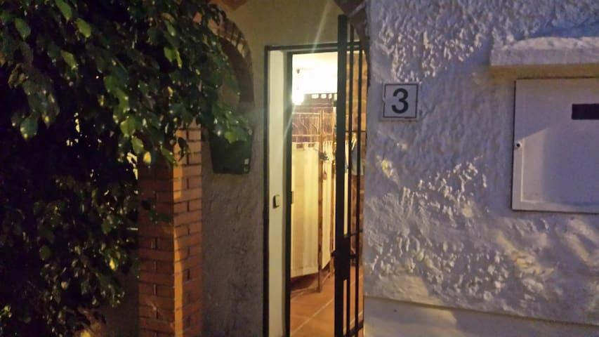 Chalet Adosado en Cortijo de Mazas - Màlaga - Casa