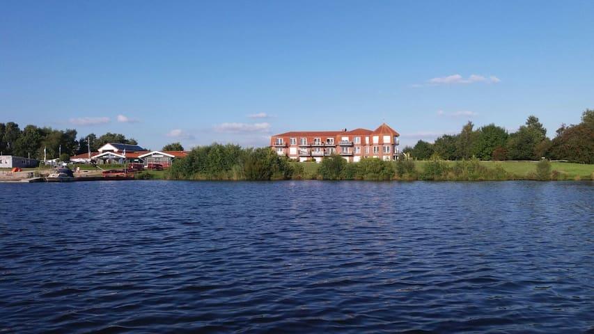 Wohnung mit Seeblick und Garten am Timmeler Meer - Großefehn-Timmel