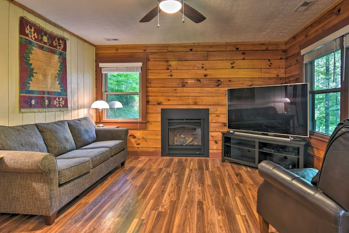 Clyde Cabin w/Porch - Mins to Smoky Mountains